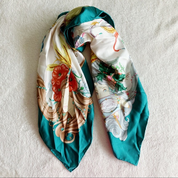 BRAND NEW GORGEOUS AND STYLISH SCARF 100/% SILK